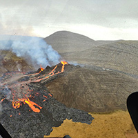 ©Volcano Heli over eruption